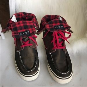 Sweet Sperry Top-sider gold-down hightop shoes